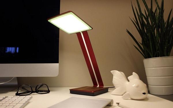 استفاده از چراغ مطالعه