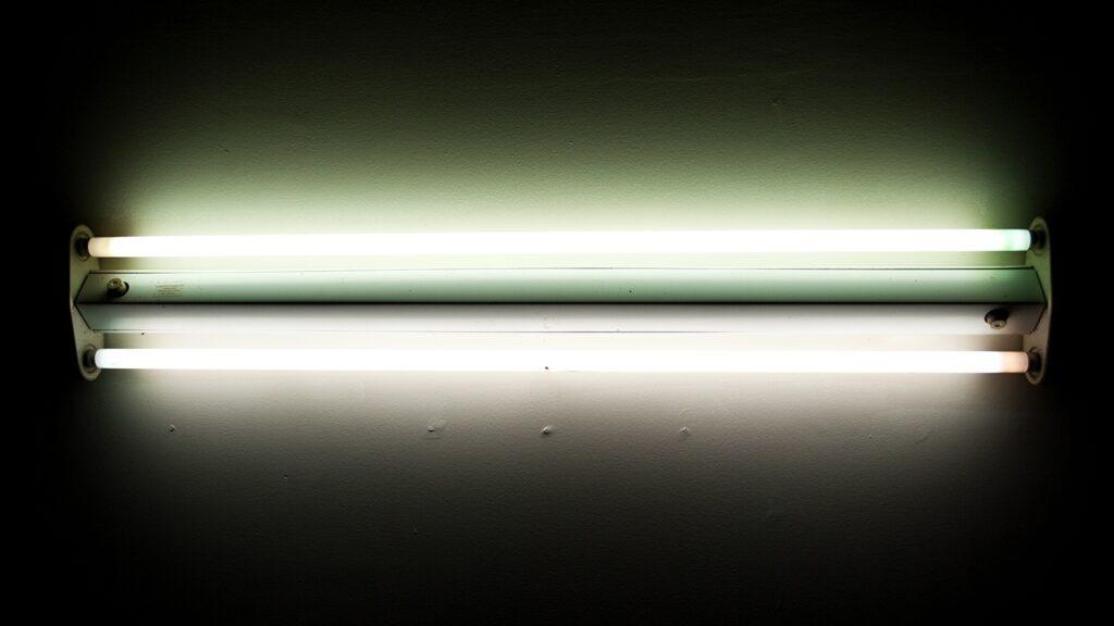 لامپ فلورسنت خطی