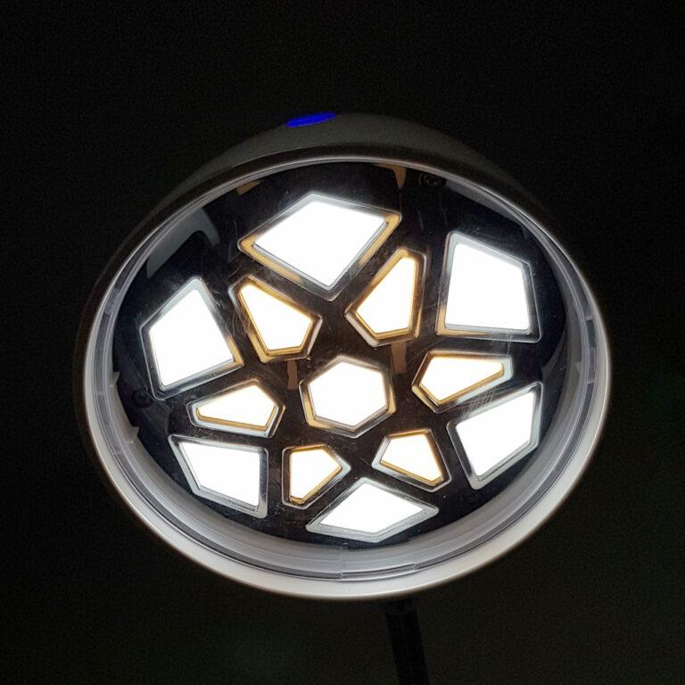 چراغ مطالعه ی led اداری مدل ۱۱۸۳ همراه با شارژر usb